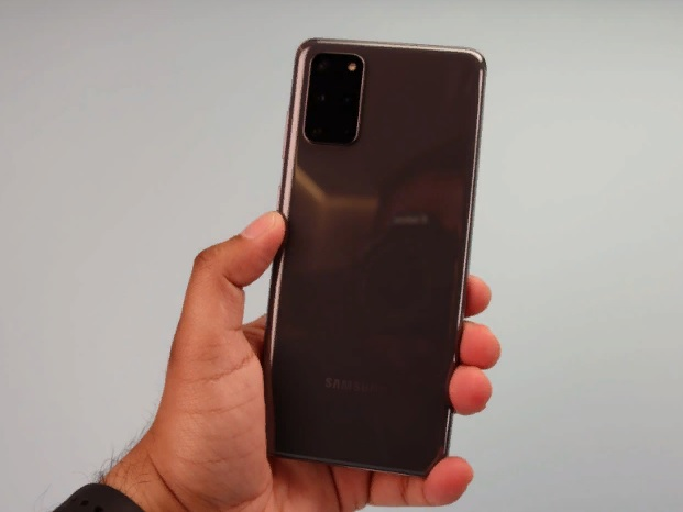 Дизайн Samsung Galaxy S20+