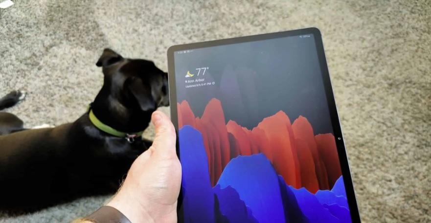 Galaxy Tab S8 Ultra может представить новую технологию ультратонких лицевых панелей